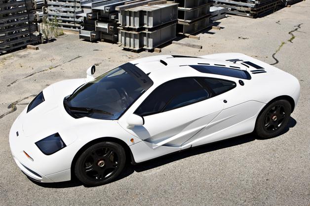 走行距離わずか1,600km! 新車同然のマクラ-レン「F1」がオークシヨンに出品へ