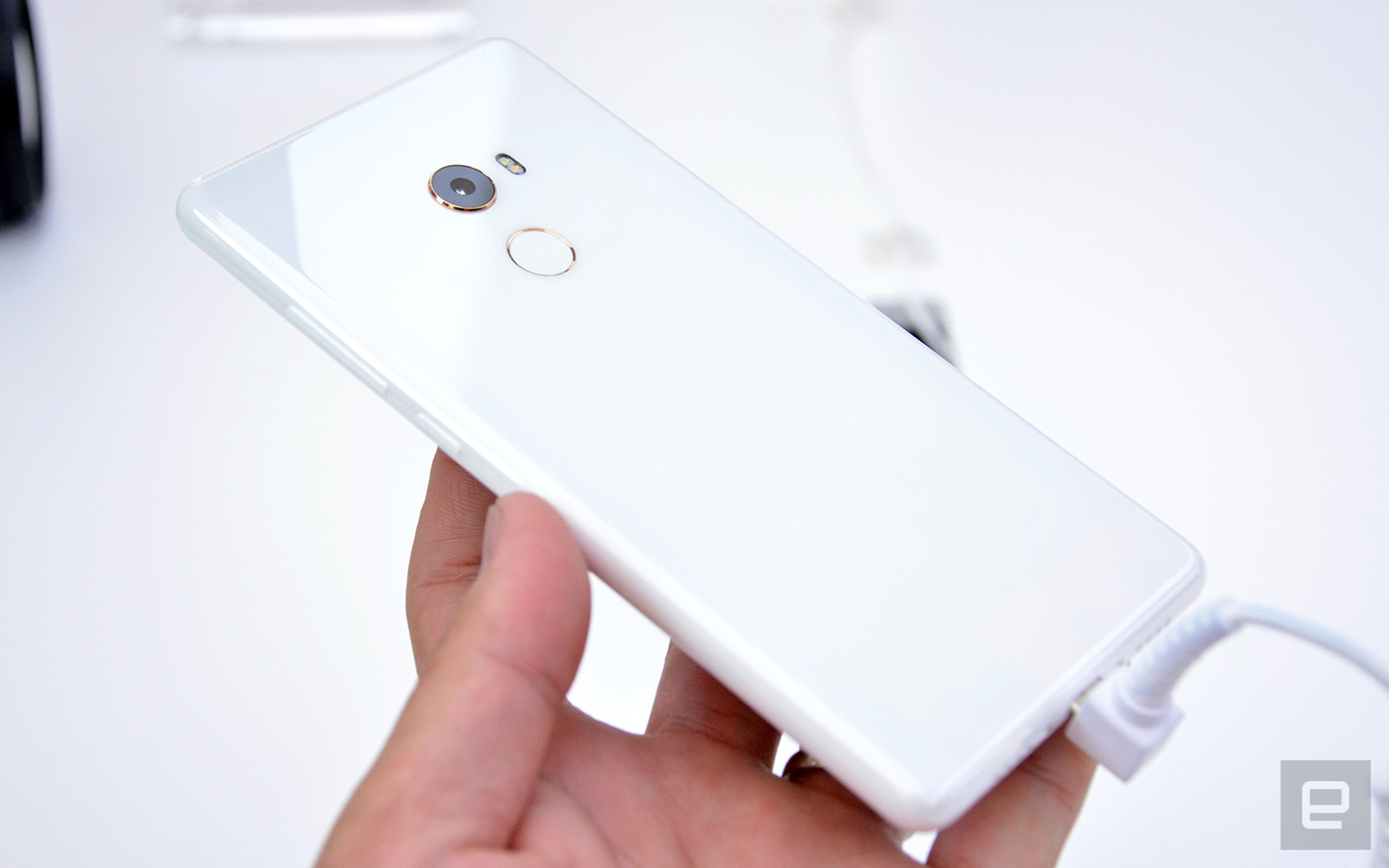Xiaomis Mi Mix 2 Comes With A Stunning Ceramic Unibody Casing Handphone Back Tempered Glass Series For Xiaomi Redmi Note Golden Free Another Issue The Original Was That It Only Available In China Due To Limited Supply My Surprise This Time Is Making