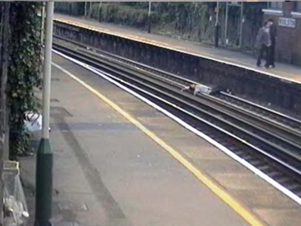 'Shocking' video of teens playing on train tracks in Southampton released