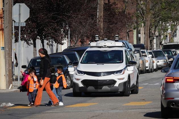 GM、自動運転車テスト中にバイクと接触して転倒させた事故で訴えられる 過失割合はどうなる?