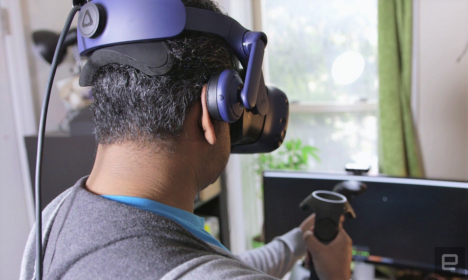 HTC Vive Pro starter kit hastily debuts (with one big annoyance)