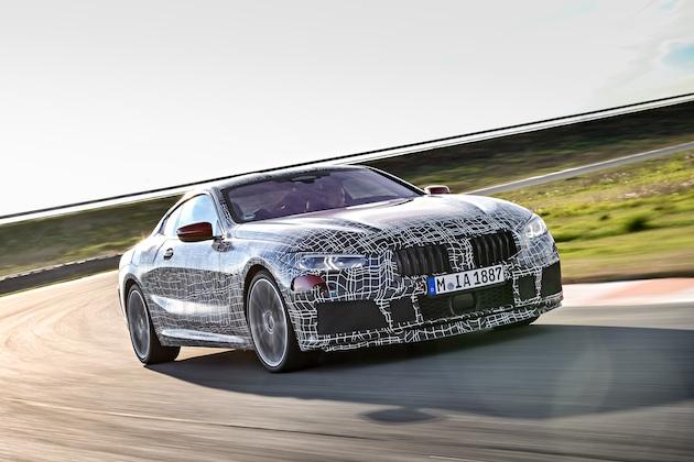 【ビデオ】BMW、新型「8シリーズ クーペ」が唸りを上げてトラックを駆ける映像を公開!