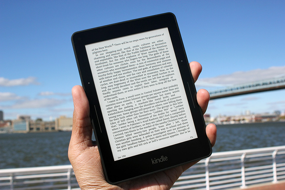 Amazon Kindle Voyage Review The Best E Reader Is Also The Priciest