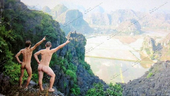 Tourists deported from Cambodia after posing naked at Angkor temple