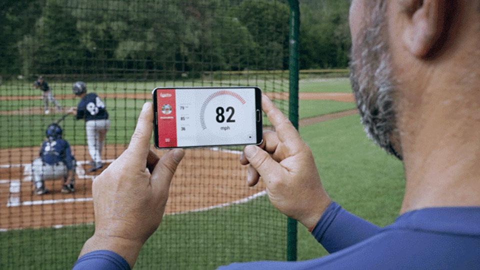 球探神器 Scoutee 可以讓手機瞬間變身智慧型測速槍
