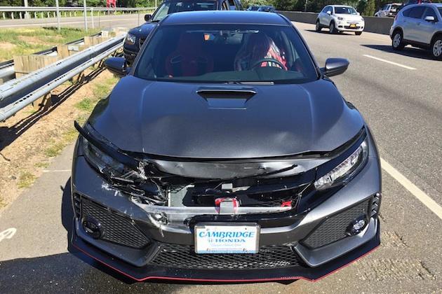 新車のホンダ シビック type r を引き取り わずか19kmで大破 autoblog