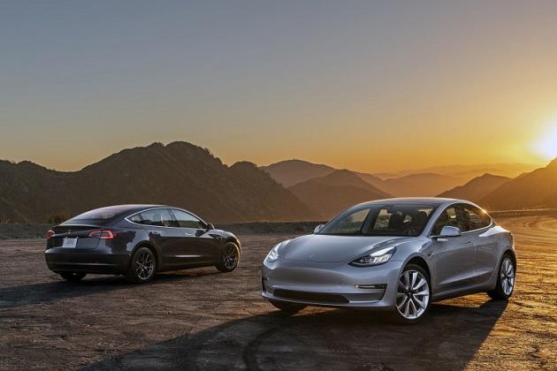 テスラ モデル3 7月に米国内で売れた乗用車のトップ10入り