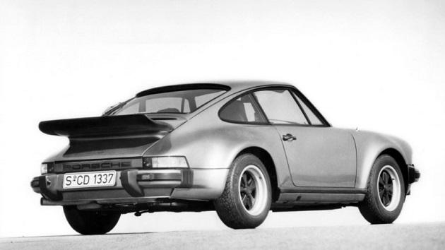 ドイツの銀行が、投資先としてクラシックカーを推奨 旧いポルシェ「911」の価値は13年間で8倍に!