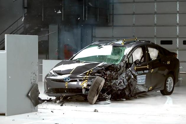 トヨタ「プリウス」と「プリウスPHV」、米国NHTSAとIIHSの衝突試験で高評価