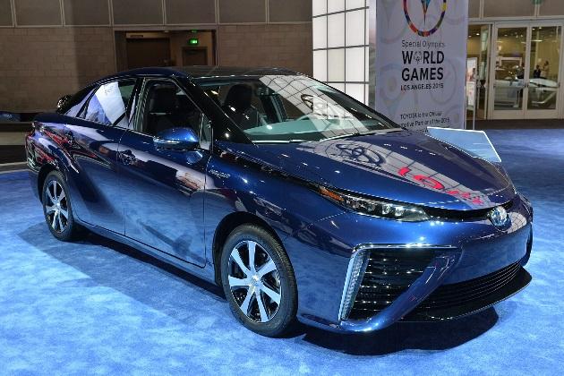 米国で「MIRAI」販売開始を控えたトヨタ、水素供給のインフラ整備に奮闘中