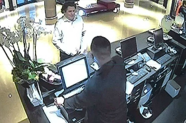 Hotel scammer checks in