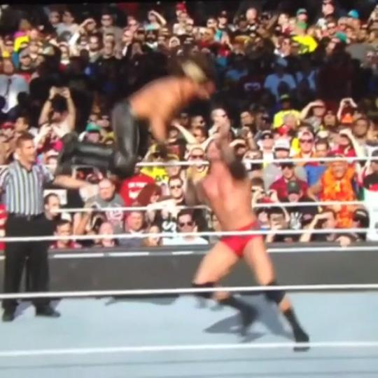 ゆでたまご先生かよ!WWEで披露された必殺技を必殺技で返す