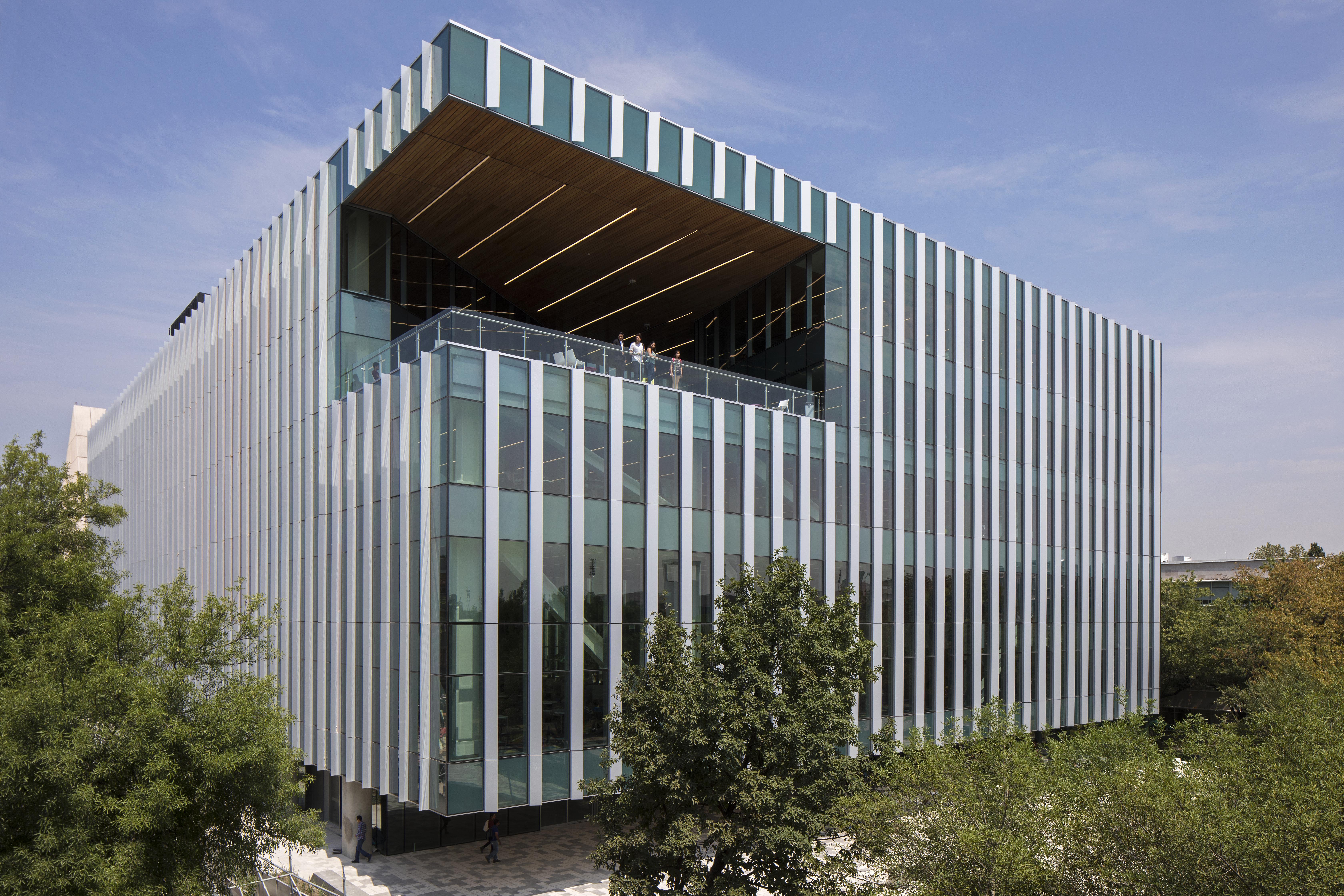 Se está trabajando en que la biblioteca obtenga la certificaciónLEED (Leadership in Energy & Environmental...