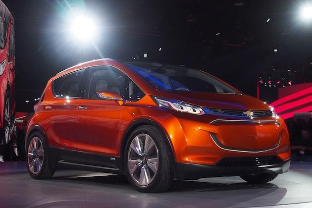 シボレー、航続距離322kmの電気自動車「Bolt」を市販化すると発表!