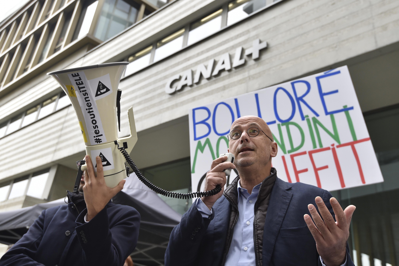 Le journaliste Jean-Jerome Bertolus. Il quitta la chaîne à la fin du conflit en novembre