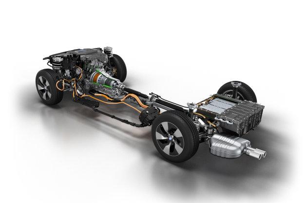 BMW、「3シリーズ」などの主力モデルでプラグインハイブリッドを導入へ