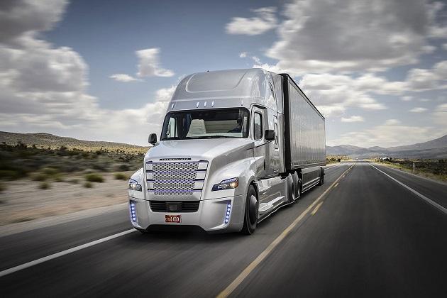 ダイムラーの自律走行トラック、米ネバダ州で公道走行が認可に