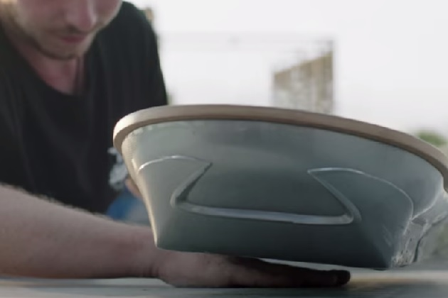 【ビデオ】レクサス、「宙に浮くスケートボード」の最新映像を公開