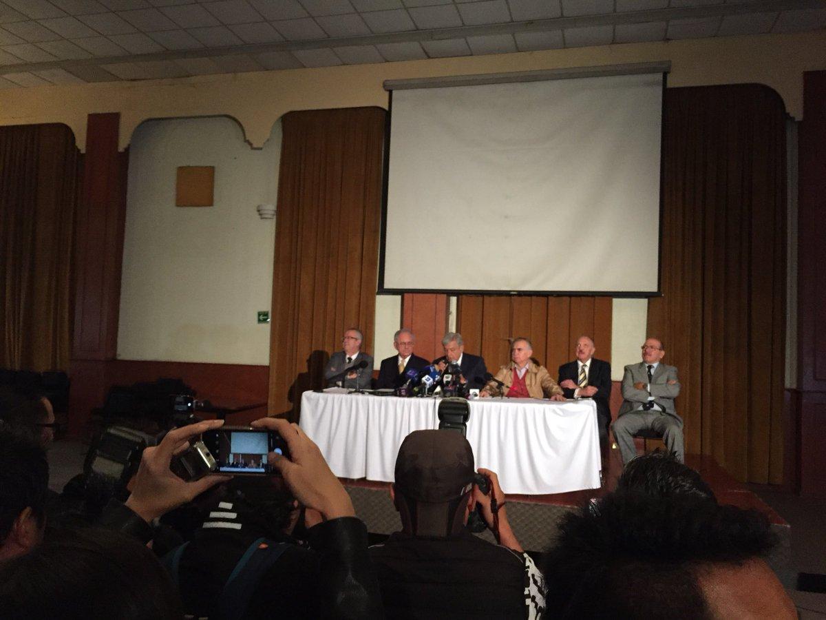 Conferencia de prensa de Andrés Manuel López Obrador y su equipo sobre el futuro del nuevo aeropuerto,...