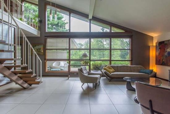 Midcentury Modern Homes to Eye as \'Mad Men\' Returns - AOL Finance