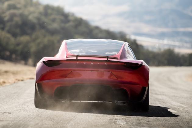 新型テスラ「ロードスター」は人間の運転能力を拡張する?  マスク氏が謎のモード搭載と語る