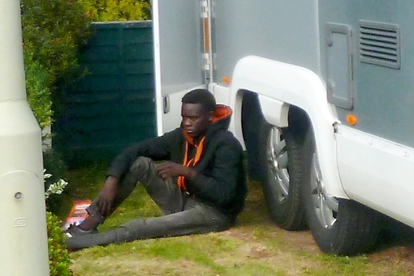 Immigrant clings onto motorhome from Calais to Kent