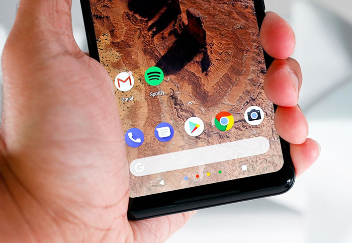 Google looks into reports of Pixel 2 XL screen burn-in problems