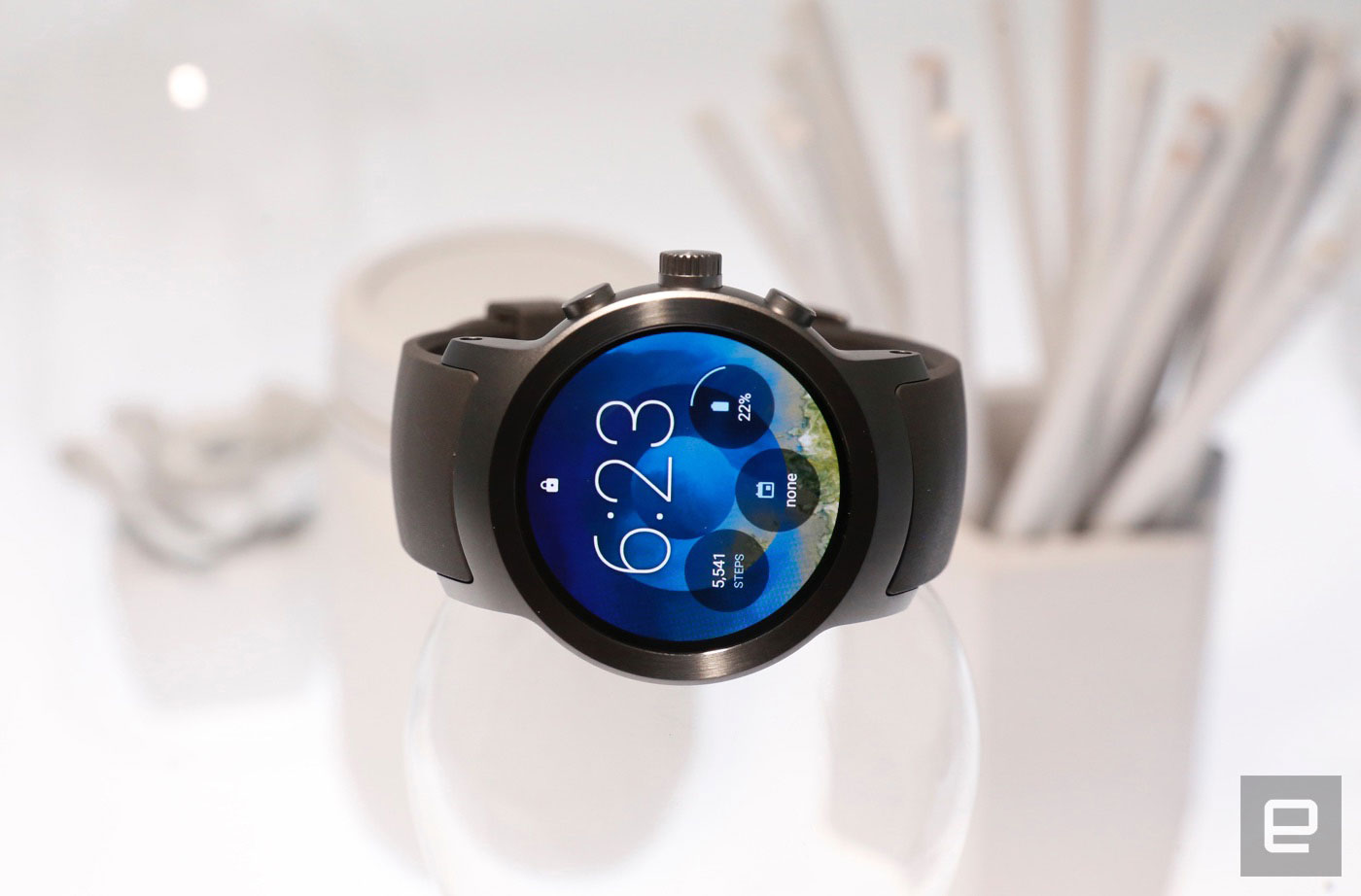 i might not love the watch sportu0027s exterior design but lg has otherwise nailed the basics the display is crisp and decently bright even under harsh