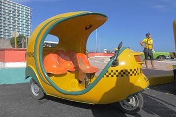 How to Catch a Cab in Cuba