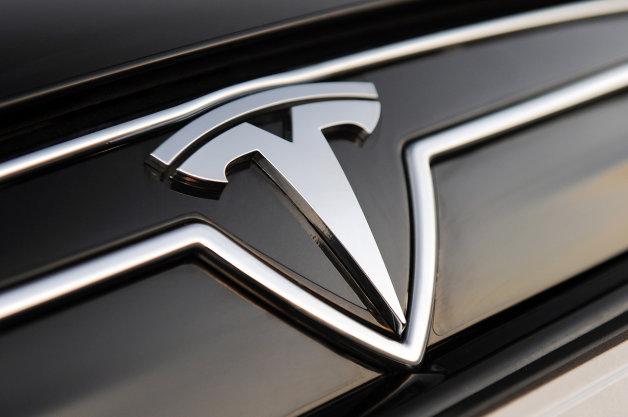 テスラの新型コンパクトカーの名前が「モデル3」に決定!