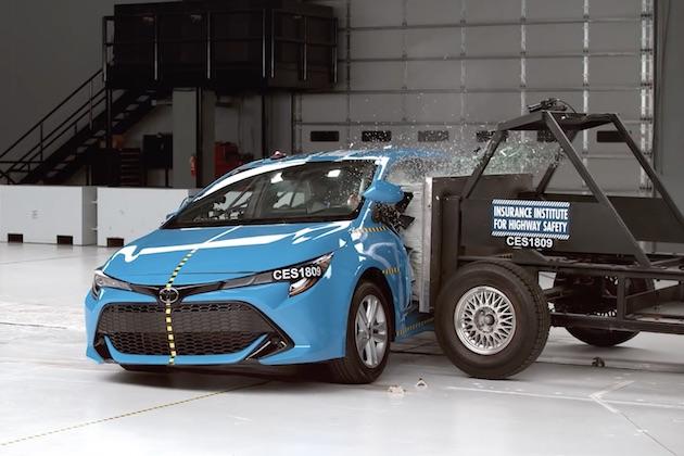 【ビデオ】トヨタ「カローラ ハッチバック」とボルボ「XC90」「S90」が、米国IIHSの安全評価「トップセーフティピック」を獲得 ヘッドライトにより最高評価は逃す