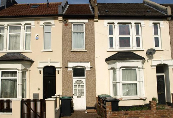 The seven-foot house in Harringay up for auction in October.