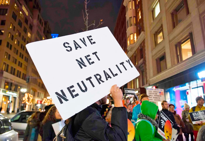 Tech pioneers tell FCC: 'You don't understand how the internet works'