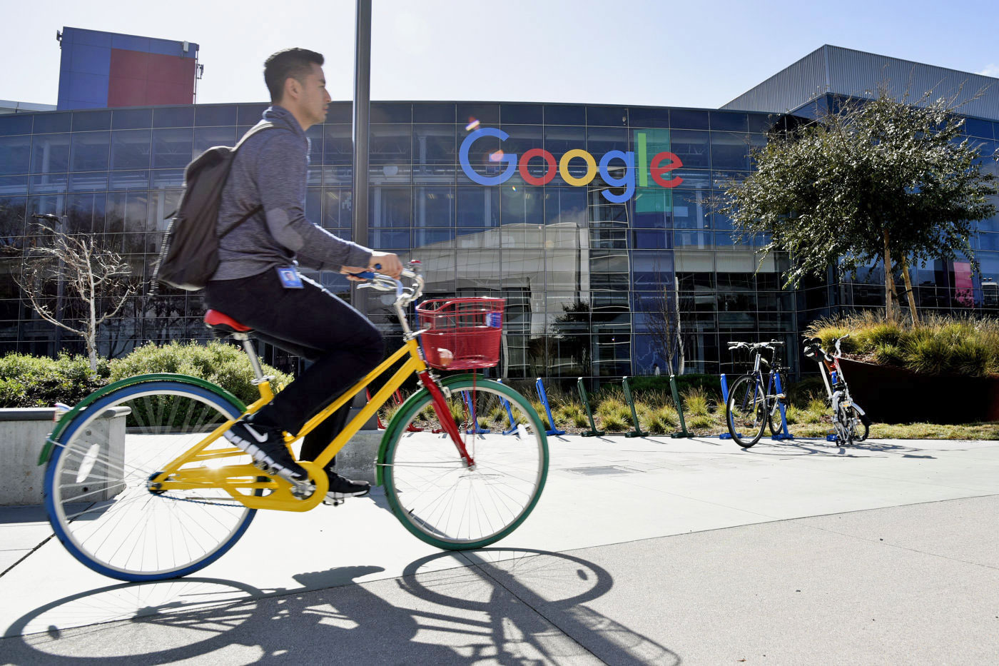 Google is creating a startup haven to prevent staff from leaving