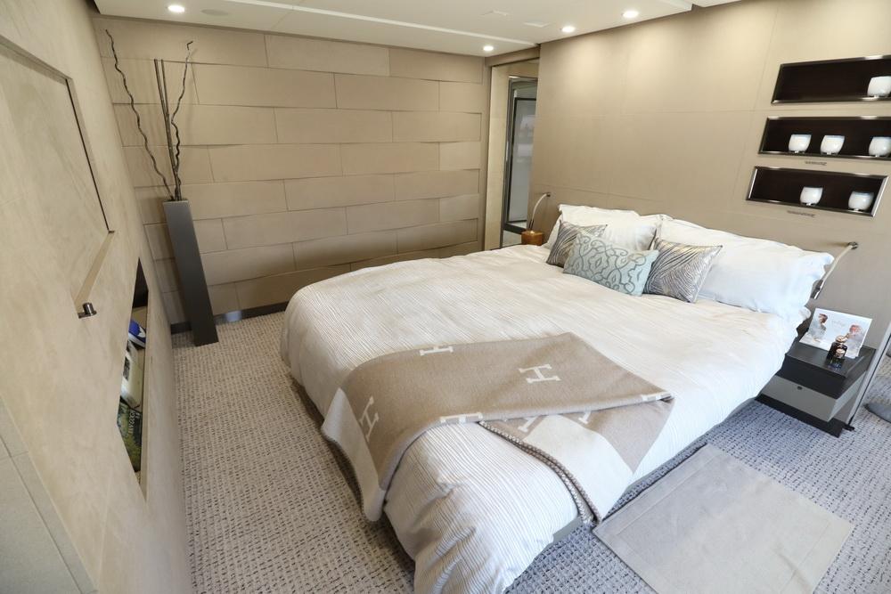 Resultado de imagen para dreamliner jet bedroom