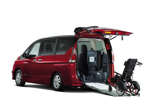 日産「セレナ」の福祉車両に、バックドアから車いすのまま車内に乗り込める「スロープタイプ」が登場