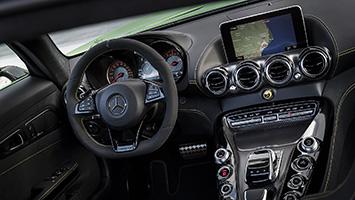 2018 Mercedes-AMG GT-R