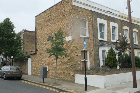 The narrow Hackney house