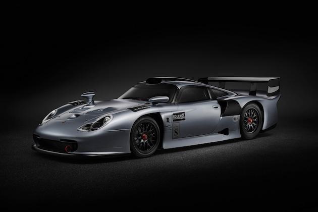 ポルシェの公道走行可能なレースカー「911GT1」がオークションに