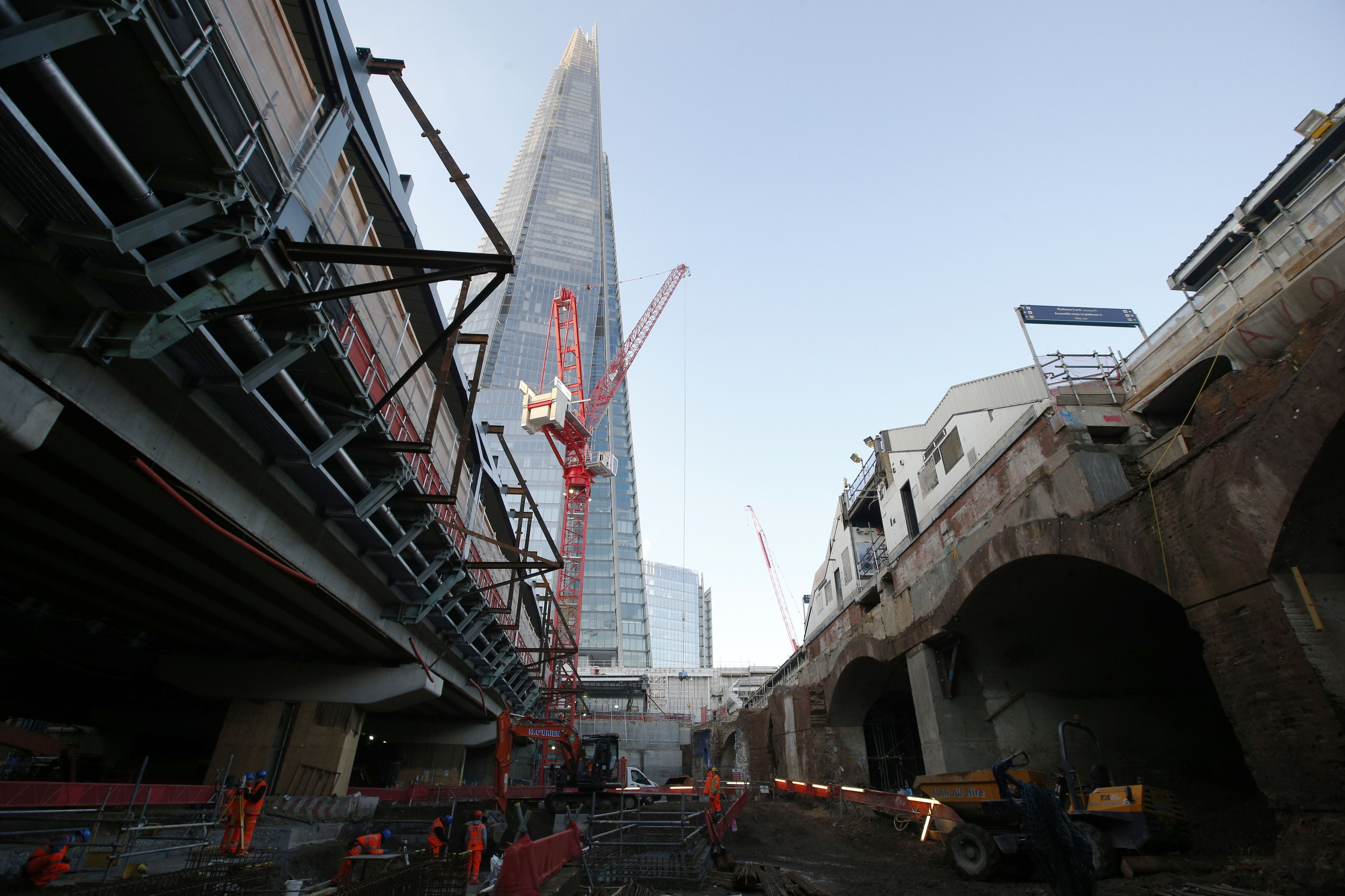 Construction work on what will eventually be the concourse area below the new platforms ten (top right) and eleven (top left) at London Bridge railway station, Southwark, London as the capital's oldest station undergoes rebuilding as part of the �6.5bn Thameslink Programme. PRESS ASSOCIATION Photo. Picture date: Monday November 24, 2014.  From Saturday 20 December 2014 to Sunday 4 January 2015 inclusive, Southern and Thameslink trains will not call at London Bridge. Also, from Monday 22 to Wednesday 24 December some Southeastern Charing Cross services will not call at London Bridge in the morning peak as work continues. Photo credit should read: Jonathan Brady/PA Wire