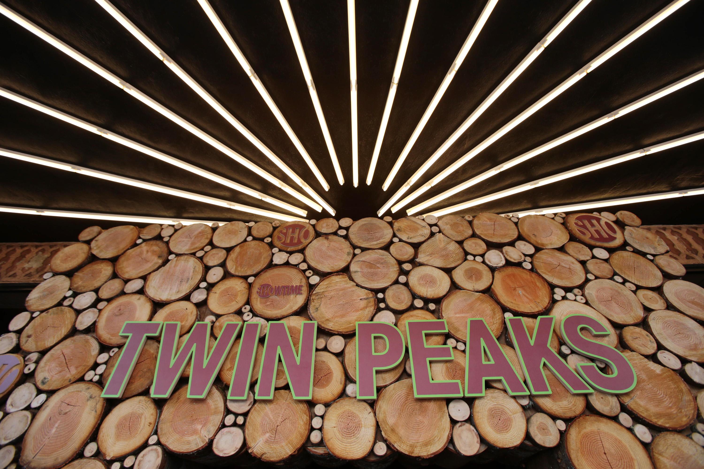 Twin Peaks Vuelve Al Purgatorio Laura Palmer No Est Muerta # Muebles Piel Humana