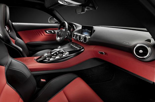 【NYオートショー2014】今秋発売予定! メルセデスが「AMG GT」のインテリアを公開