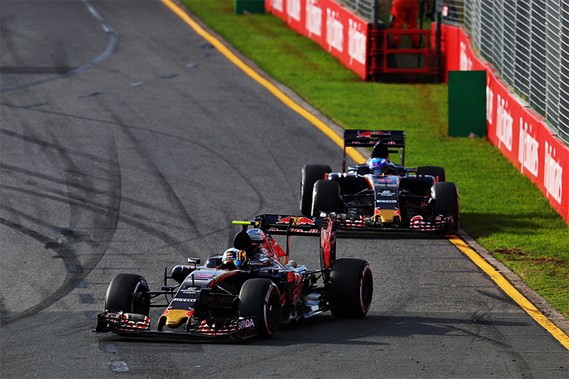 Two Toro Rossos race at the 2016 Australian F1 Grand Prix.