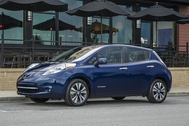 日産、電気自動車「リーフ」を宣伝するために米国5つの州でガソリンを無料で提供