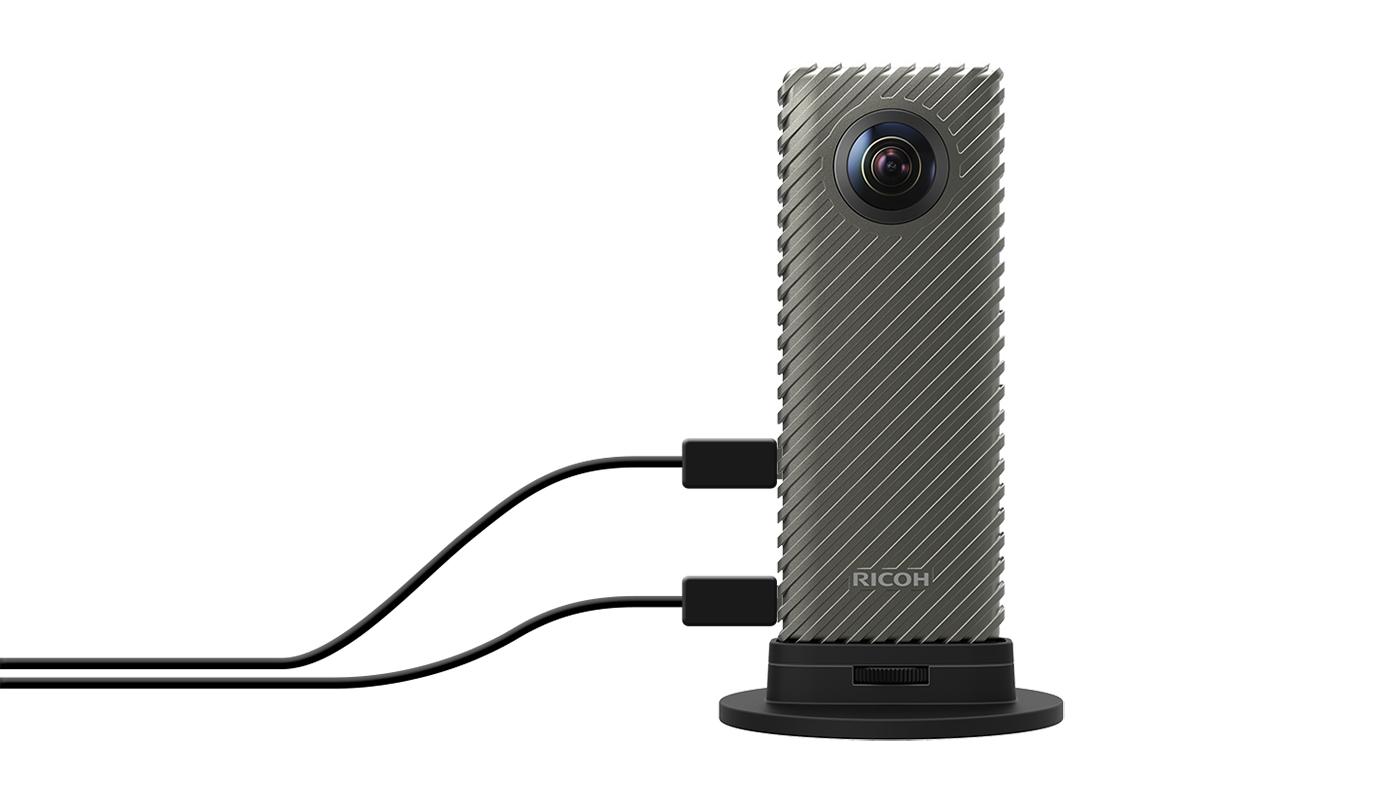 Ricoh R 是款專為直播而生的 360 度攝影套件