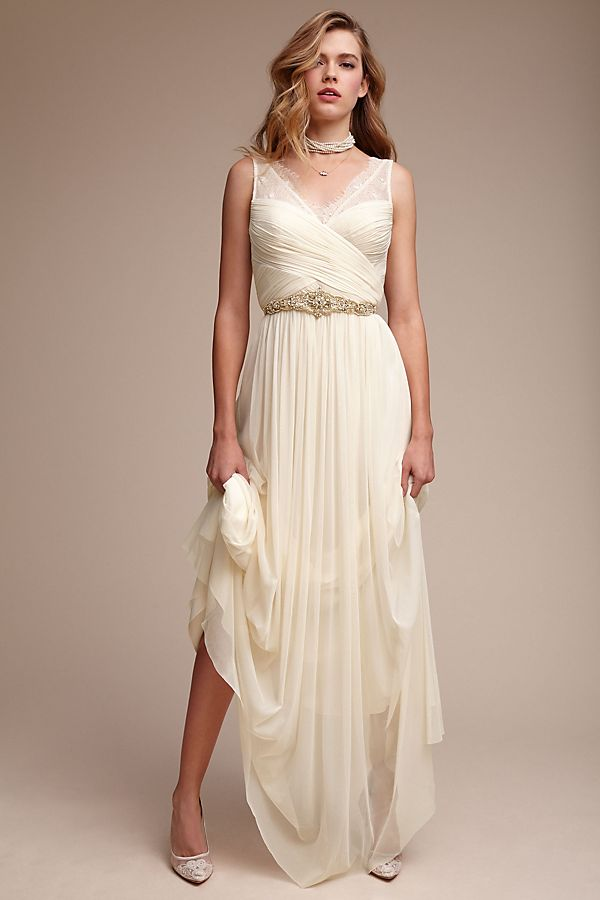 Off-The-Rack Wedding Dresses To Buy For A Quickie Ceremony