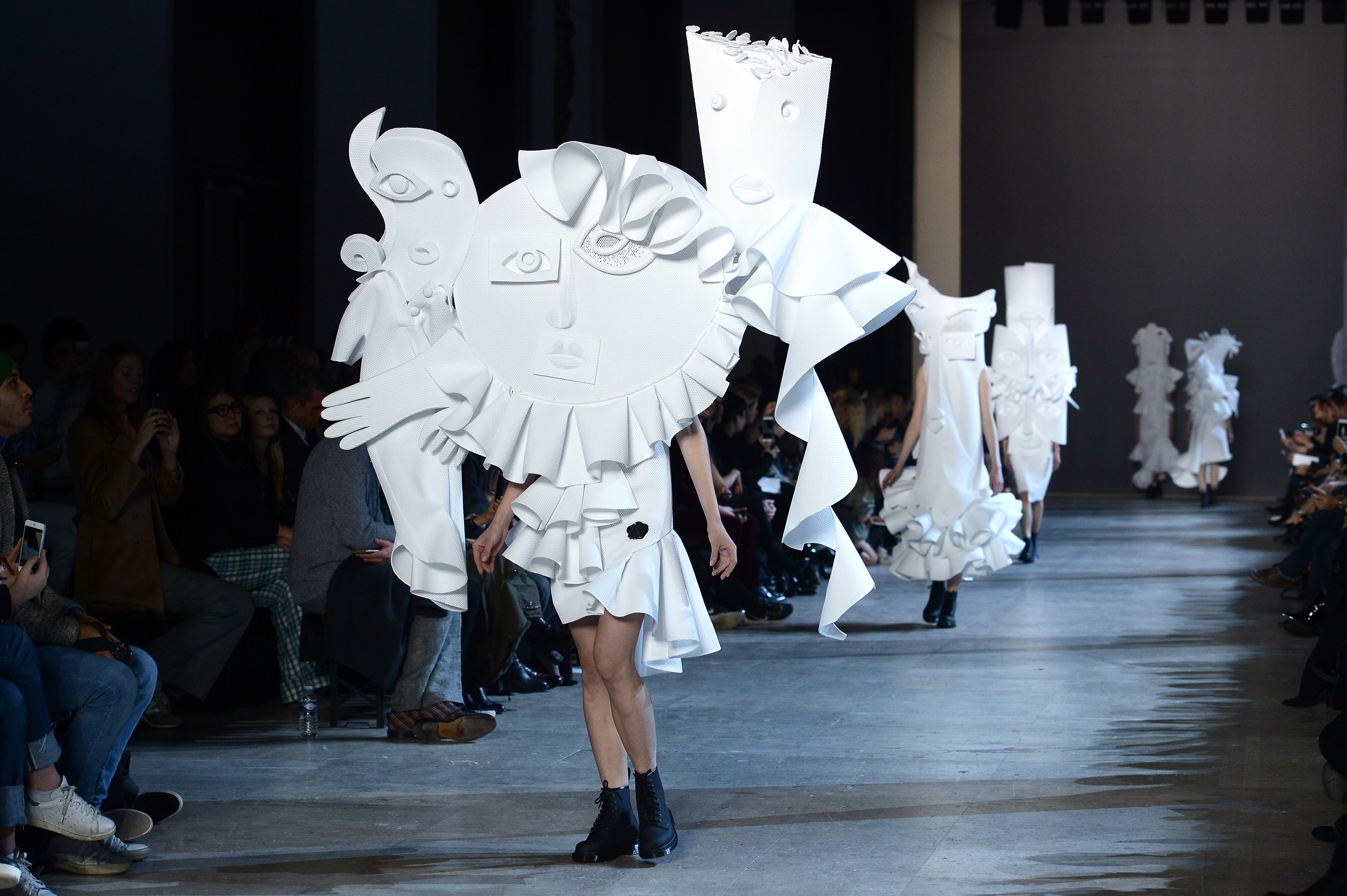 Viktor & Rolf : Runway - Paris Fashion Week - Haute Couture Spring Summer 2016