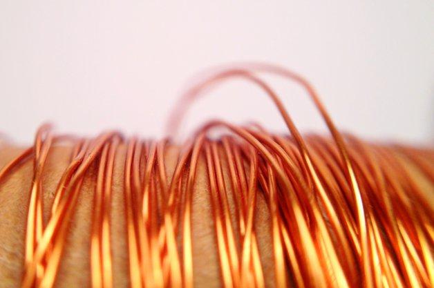 【レポート】EV用充電ステーションの充電ケーブルに使われている銅が窃盗団の新たな標的に!?