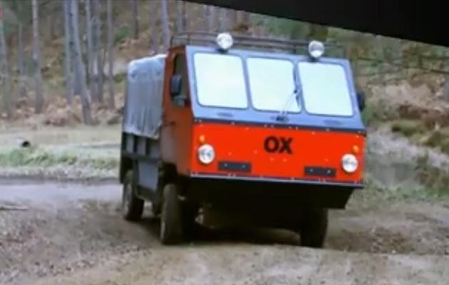 【ビデオ】元F1デザイナーのゴードン・マレー氏も設計に関わった、組み立て式トラックが誕生