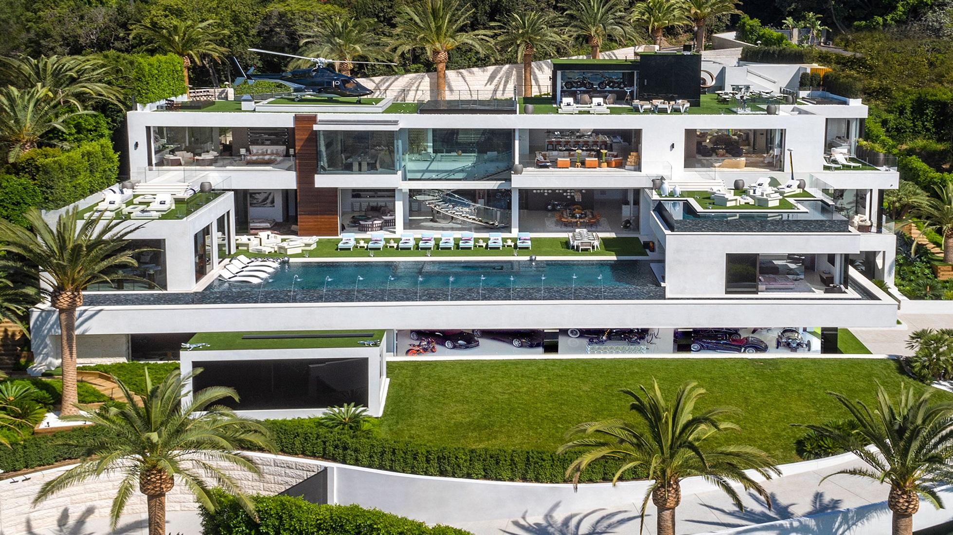 【ビデオ】米国で約280億円の大豪邸、12台の高級車付きで売り出し中!